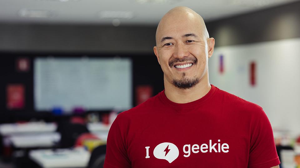 """""""Fazer parte de uma rede como essa tem aberto portas que a gente nunca teria acesso se não fosse por esse prêmio"""", conta Claudio Sassaki, CEO da Geekie"""