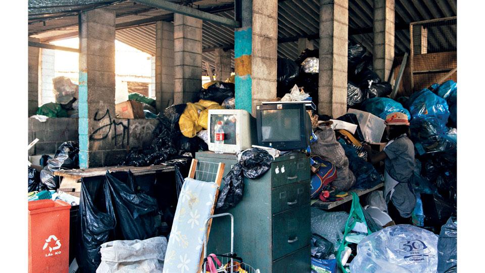 Pátio da Associação de Catadores de Materiais Recicláveis Nova Glicério