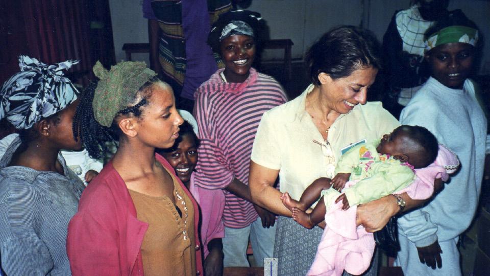Yvonne no Coqueirinho, escola que abriu embaixo do viaduto São Cristovão, onde deu os primeiros passos do projeto Uerê