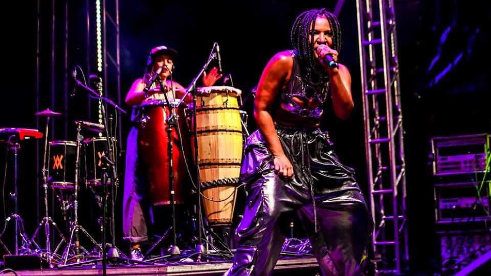 Larissa Luz mostrou a potência de sua apresentação em um dos shows mais celebrados do festival Se Rasgum, em Belém