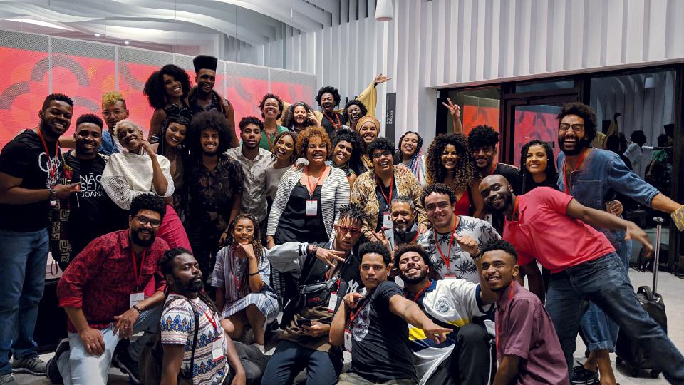 Chris (ao centro), em ação do Afrogooglers