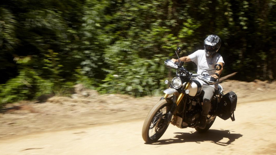 """""""A moto sempre me deu essa liberdade de chegar a lugares onde o carro não alcança"""""""