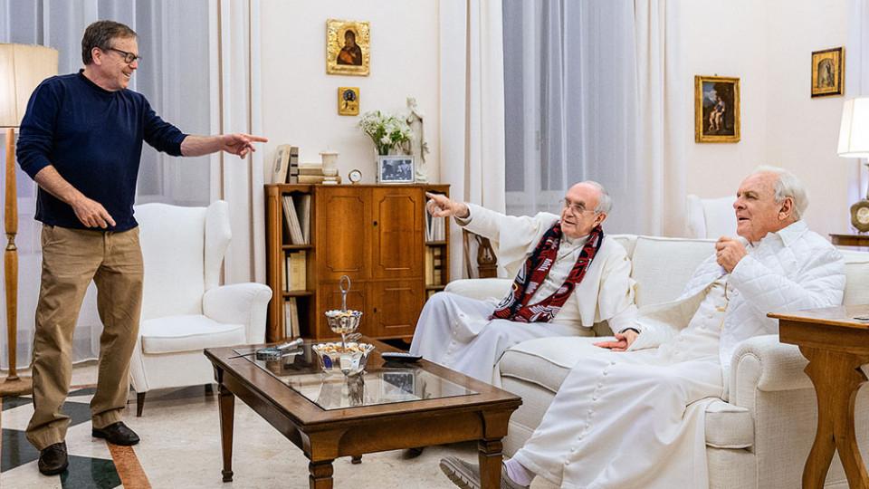Fernando Meirelles em um encontro com o papa Franscico e o ator Anthony Hopkins, que interpretou Bento XVI e Dois Papas