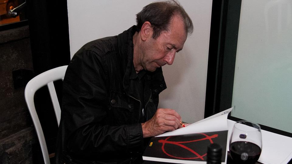 David Lloyd em sua passagem pelo Brasil, em 2016, durante a Bienal de Quadrinhos de Curitiba