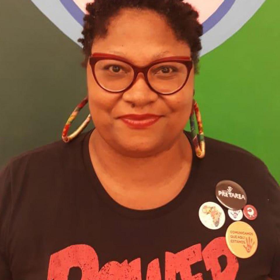 A publicitária Maria Amália Cursino, diretora do Coletivo Pretaria, que trabalha a comunicação interseccional com eixo em raça