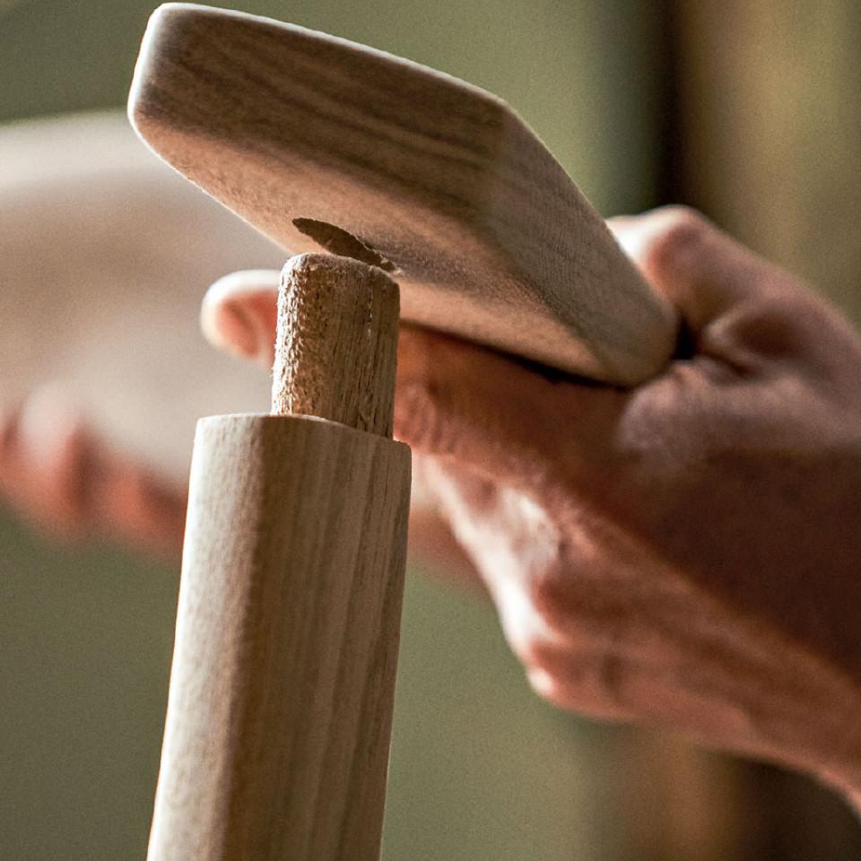 """""""Madeira com madeira dura bem mais do que usar madeira com alguma coisa bem mais dura do que ela"""", explica Morito Ebine"""