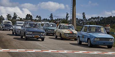 Pé na Tábua: a vida pulsante dos veículos antigos