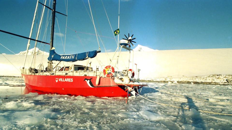 Na Baía Dorian, onde Amyr passou sete meses imobilizado em seu veleiro (1991)