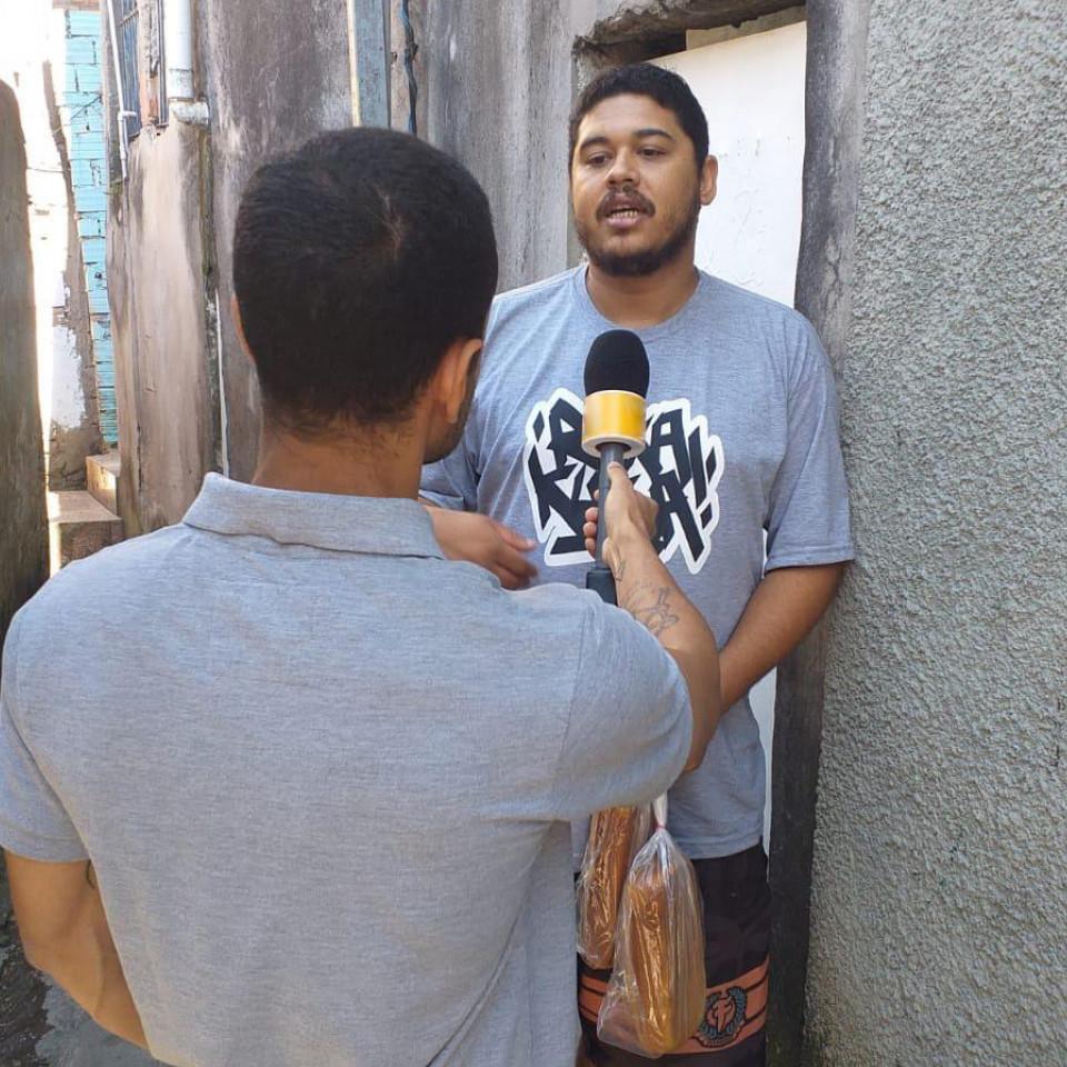 Thiago Vinicius é uma das vozes do coletivo Agência Solano Trindade e tem se movimentado na comunidade para levar assistência social durante a epidemia