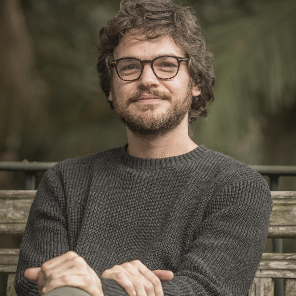 Paulo ( Emilio Dantas ) na série Todas as mulheres do mundo