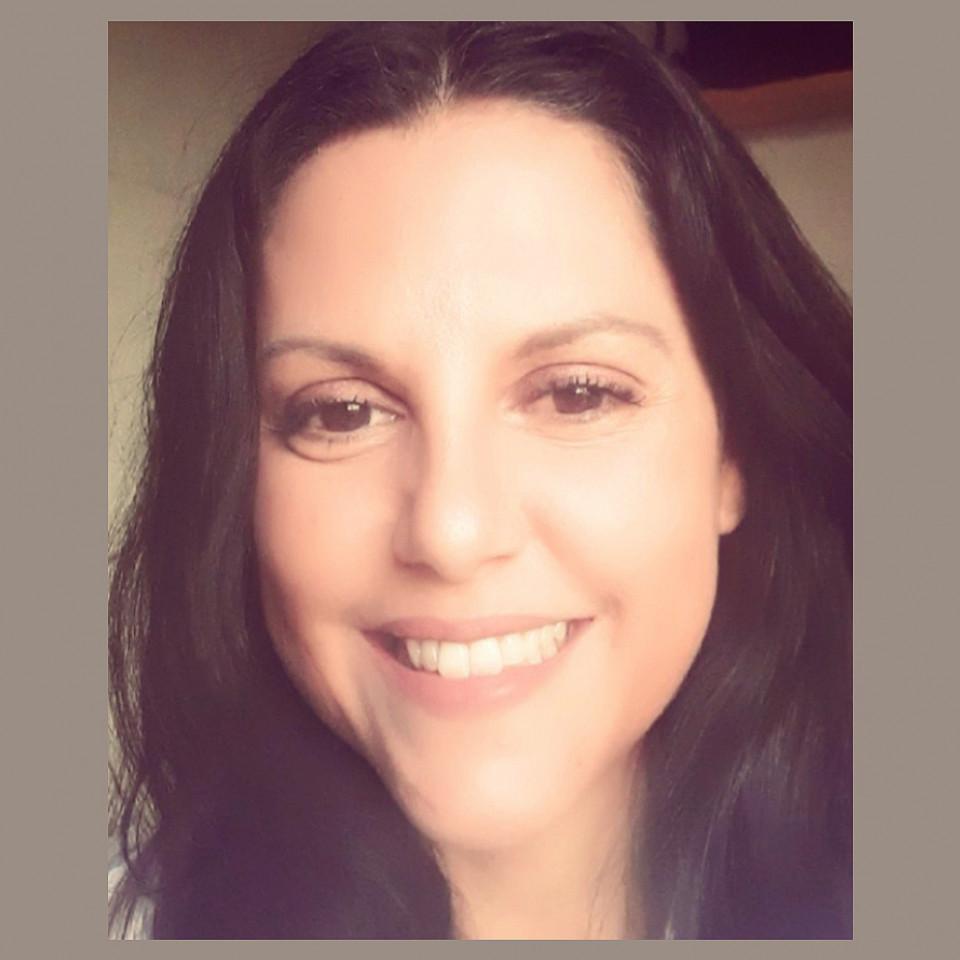 """Thaize Oliveira: """"Já fiz promessa: só pinto o cabelo de novo quando existir uma vacina para a covid-19"""""""
