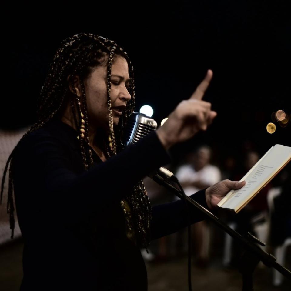 Dinha Maria Nilda no Evento Parada Poética, em Nova Odessa, organizado pelo poeta e rapper Renan Inquérito