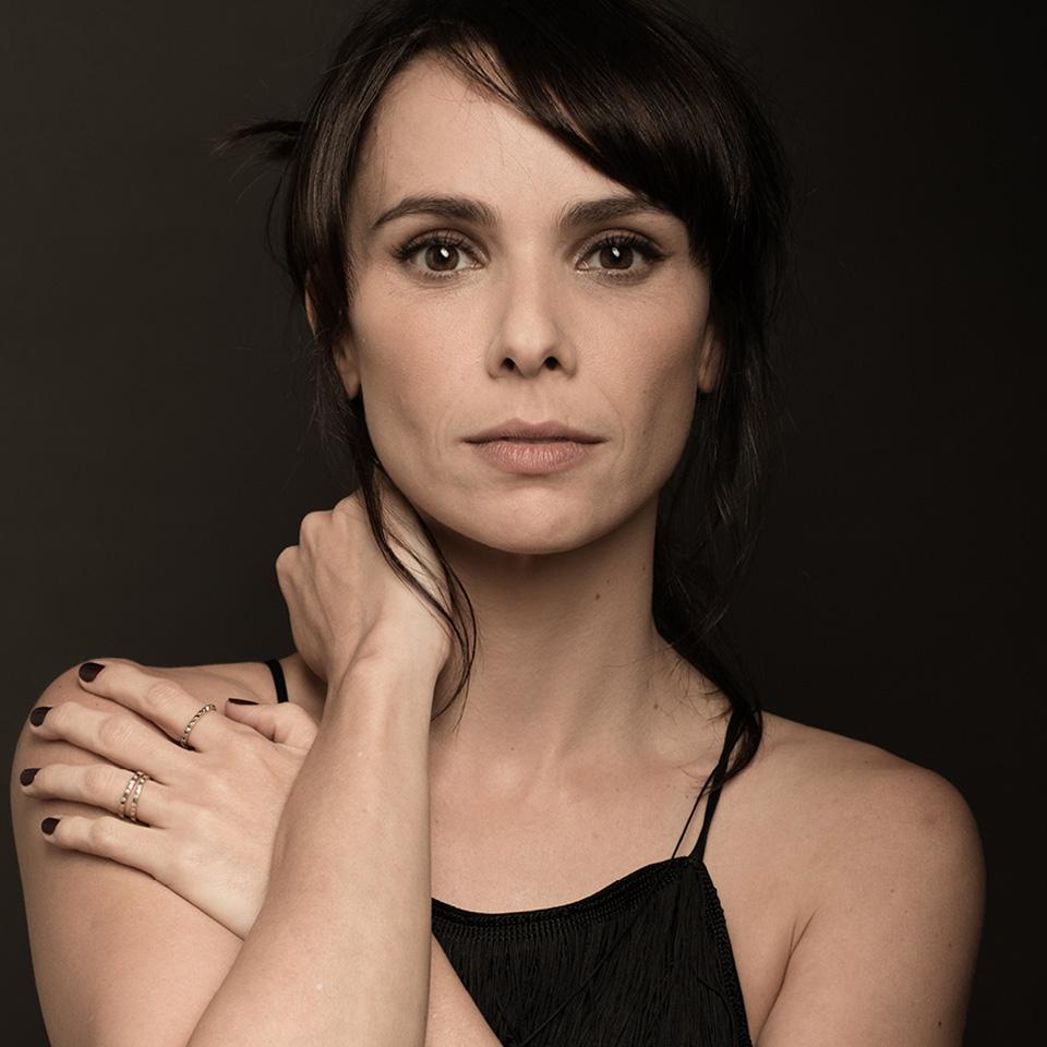 Debora Falabella