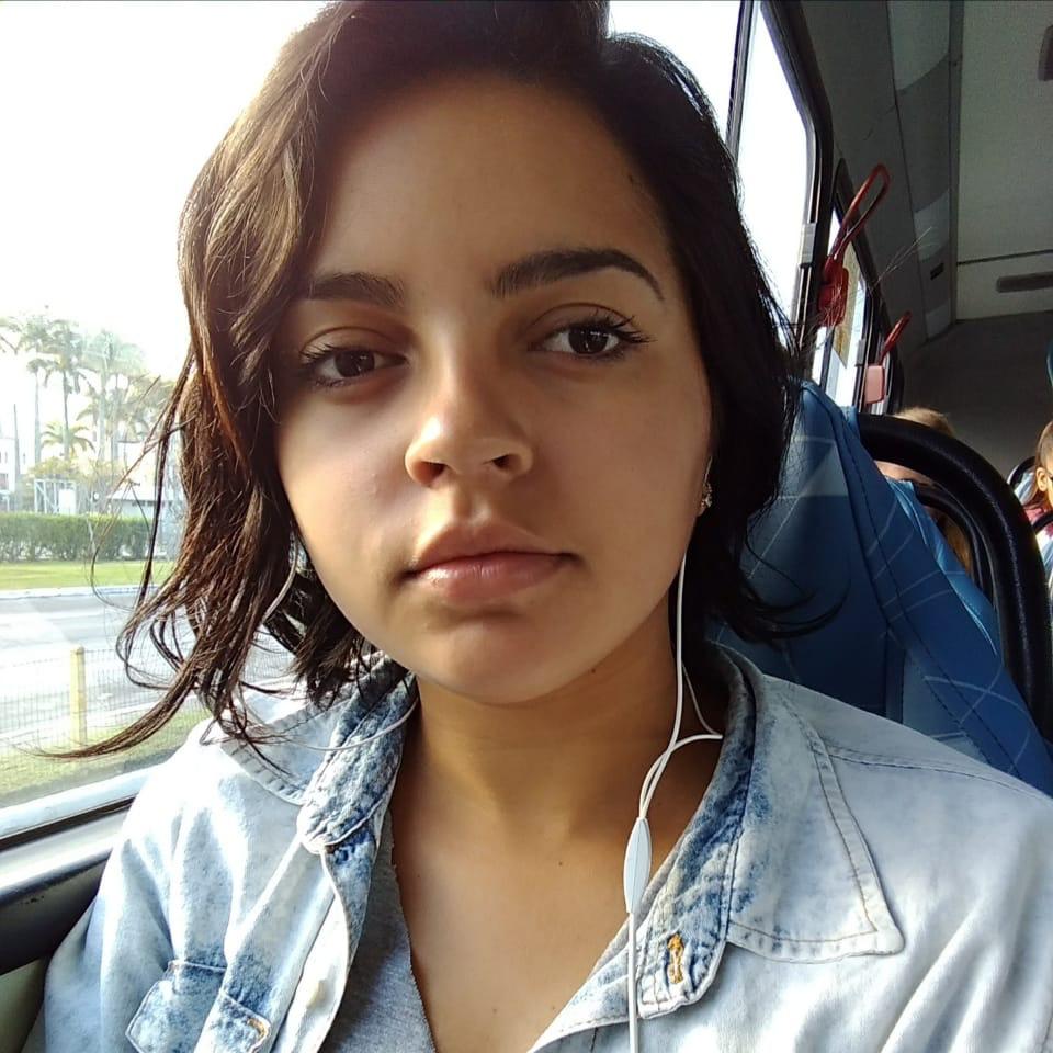 A estudante de jornalismo Gabriele Oliveira sente que colocando um filho no mundo estará passando a ele marcadores sociais que vão o acompanhar pelo resto da vida