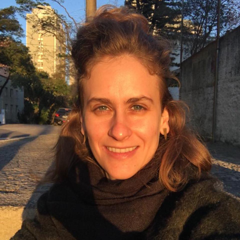 A psicanalista Mariana Facanali Angelini explica que o corpo é responsivo, ou seja, ele reage aos estímulos externos e também internos