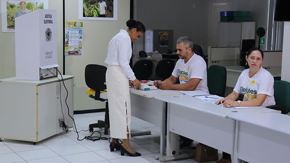 Marina Silva votando em Rio Branco, Acre, na Sede do Incra (2018)