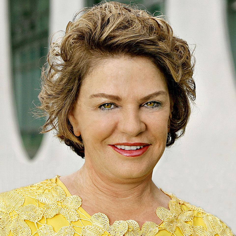 """Marisa Letícia, que ocupou o posto de primeira-dama durante o governo Lula, ganhou um pronome comum às suas antecessoras: """"dona"""""""