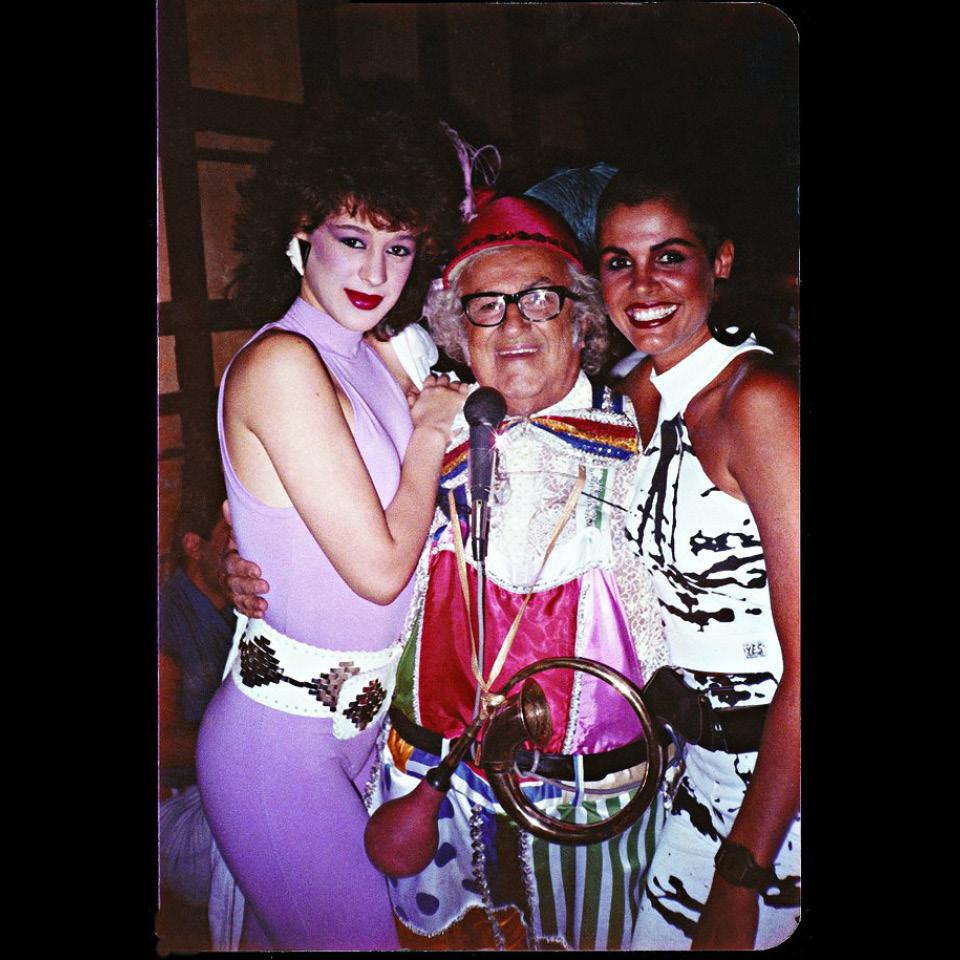 Claudia Raia com o apresentador Chacrinha e a modelo Monique Evans
