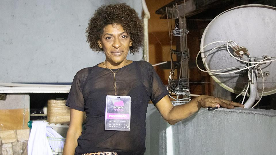 Moradora da Rocinha, Mônica Pimentel diz faltar água e saneamento básico na comunidade em plena pandemia