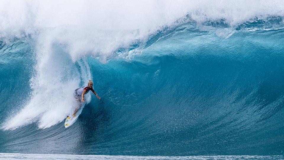 Única brasileira na elite do surfe, Tatiana Weston-Webb vai representar o país na estreia do esporte em Olimpíadas