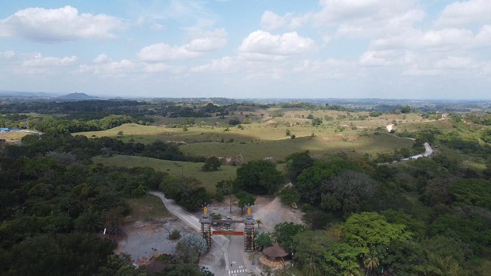 Hacienda Nápoles: depois de uma briga judicial entre os herdeiros e o governo, uma empresa assumiu a área que hoje é um complexo com hotéis, museus, zoológico e até um safári