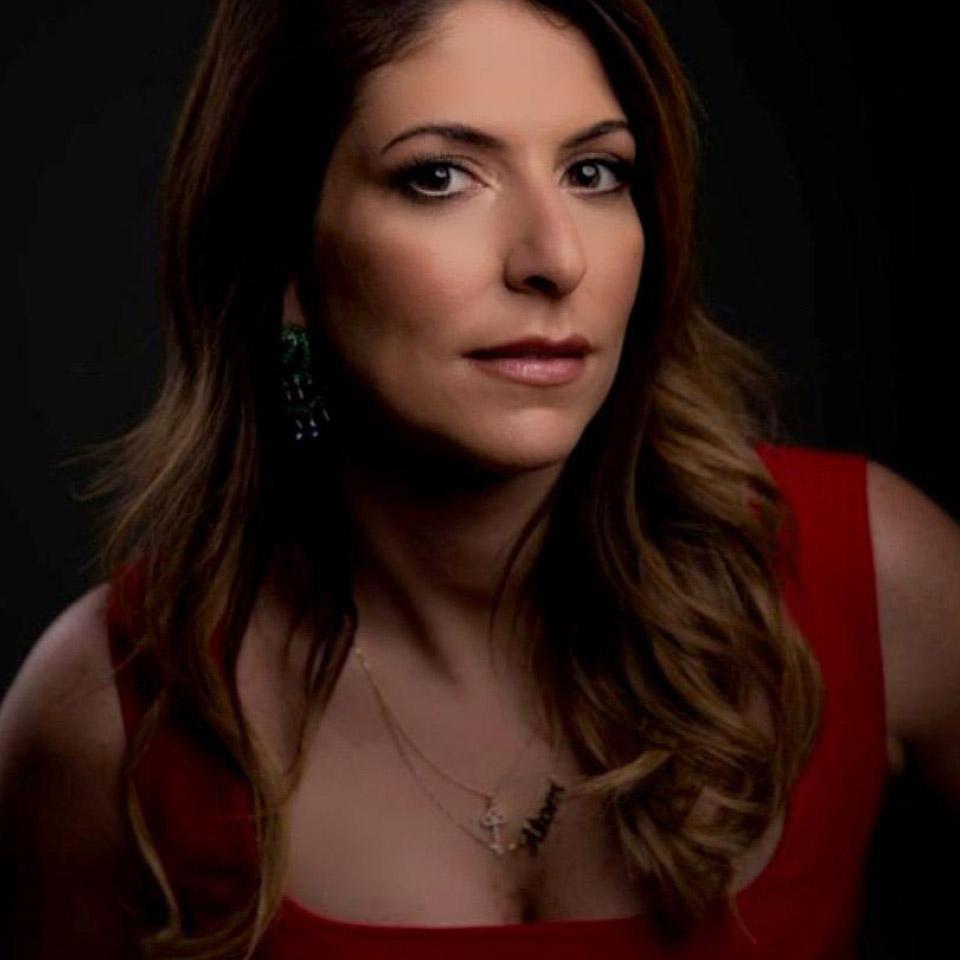 Uma das poucas mulheres à frente de uma empresa listada na Bolsa de Valores, Carol Paiffer, 33 anos, é sócia-fundadora da Atom S/A, a maior empresa de traders da América Latina