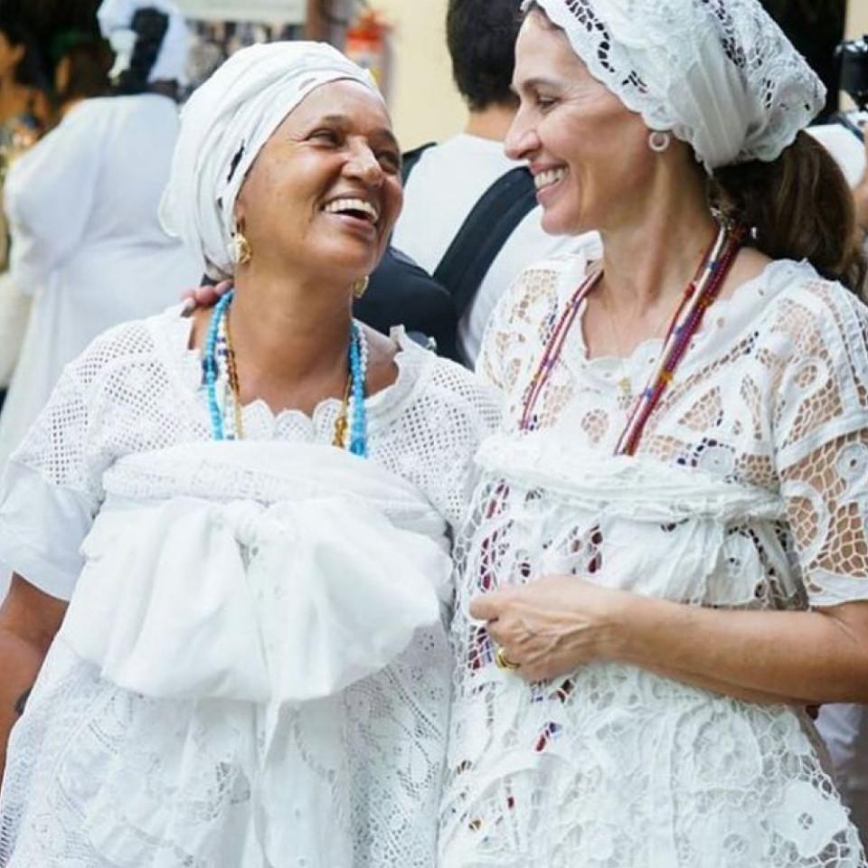 Keka de Oxóssi Flora Gil Vestidos Brancos Lenços Cabeça