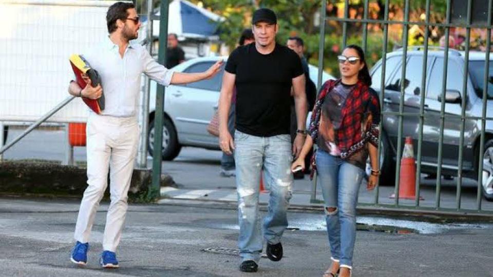 Marina Morena John Travolta Caminhando Rua