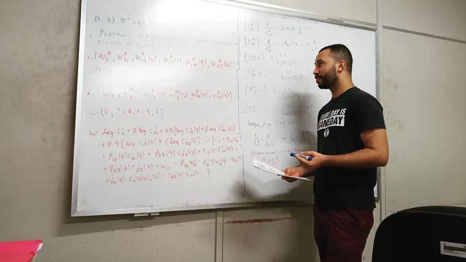 Durante o programa, o economista Gilberto foi aceito em vários programas de doutorado