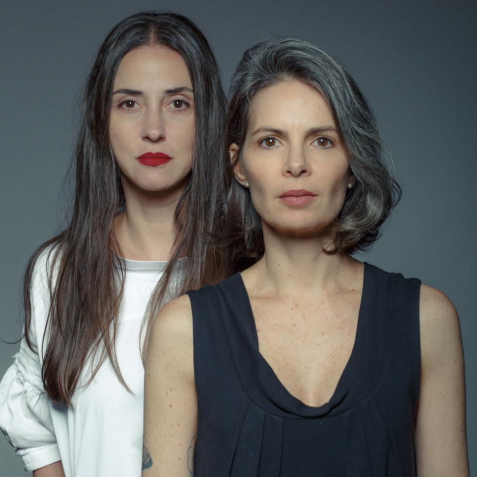 A escritora e roteirista Fernanda Guerreiro, 48 anos, e a diretora de cena Camila Faus, 47 anos, são idealizadoras do Shet_alks, plataforma de conteúdo para mulheres 45+