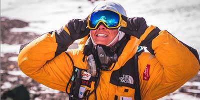 Aretha Duarte em sua jornada ao cume do Monte Evereste