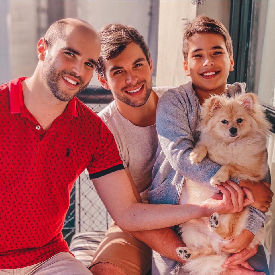 Silvio, seu marido Kairon e o filho Enzo