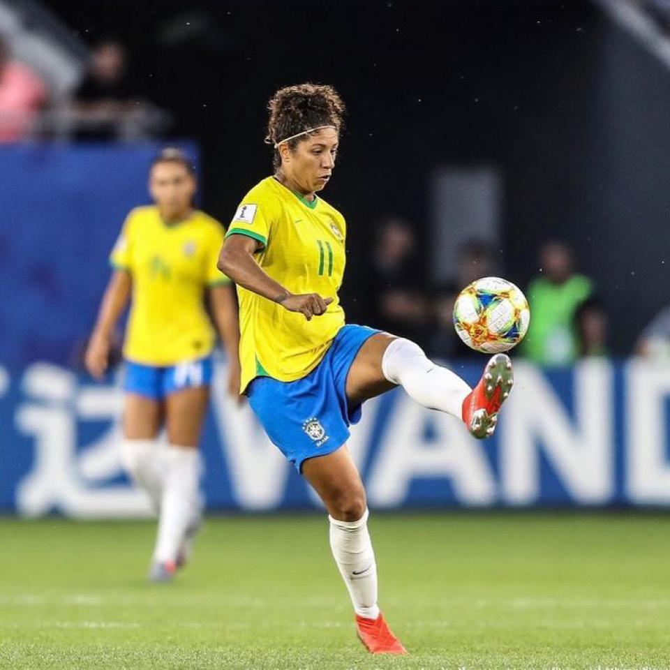 Cris se tornou uma das mais importantes jogadoras de futebol no Brasil. Com a Seleção Brasileira de Futebol Feminino, conquistou duas medalhas de ouro no Pan-Americano e duas de prata nos Jogos Olímpicos.
