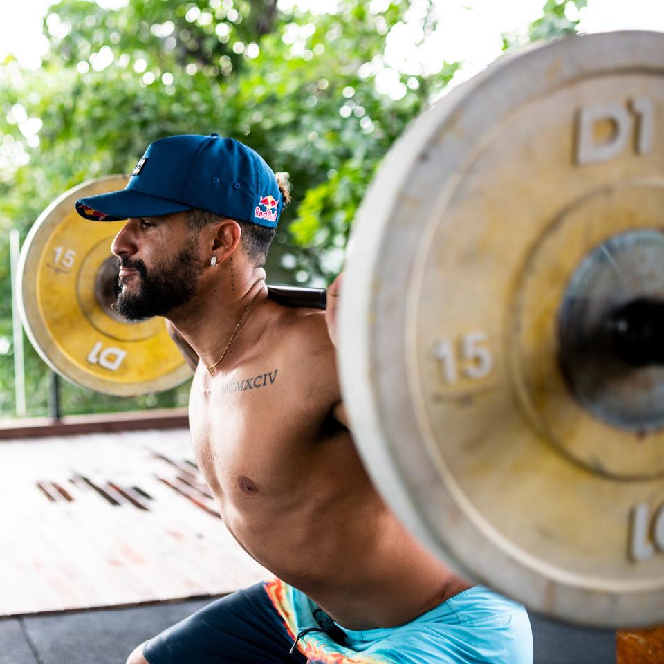 """Quando começou a trabalhar com Ítalo, há quatro anos, a rotina de exercícios proposta por Hygor foi questionada. """"Falavam que ele ia ficar muito pesado porque estava fazendo um agachamento com mais de 100 quilos"""""""